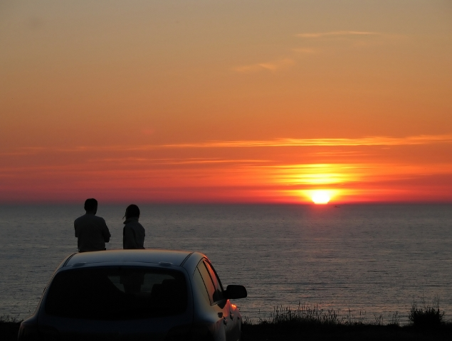 beach couple sunset