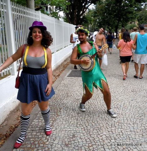 Carnival dancers, tripwelness