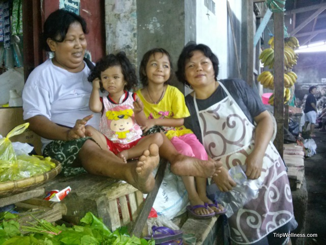 Bitung family in the morning market.