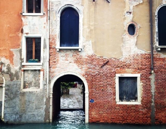 Sinking Venice palace.