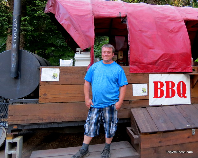Hard to resist! Smoke n' Man at BBQ, Union Creek Cabins outside Crater Lake.