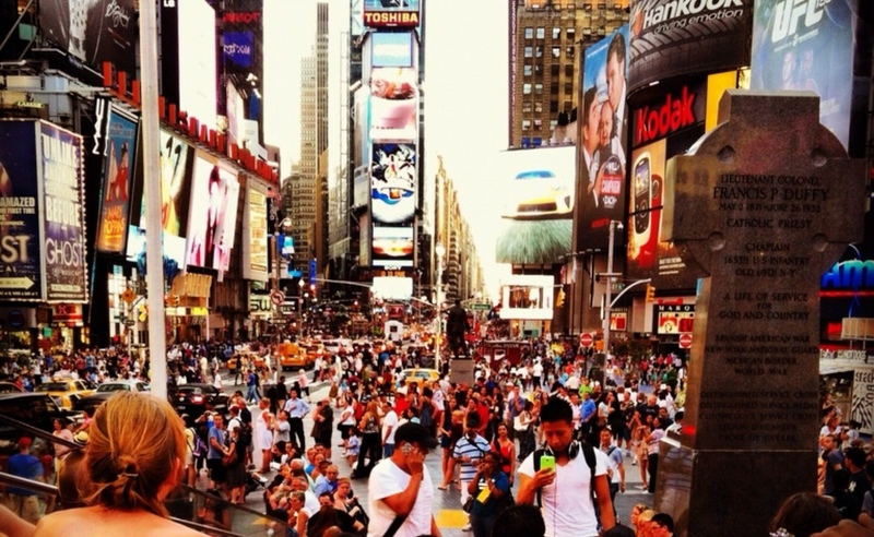 New York Times Square crowds. avoiding crowds. tripwellness