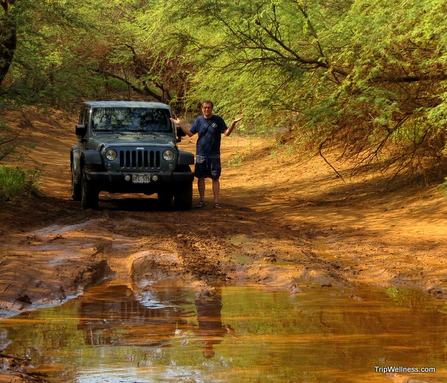 Lanai jeep in the mud