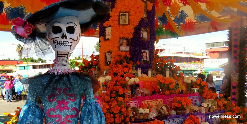 Day of the Dead in Tijuana – From graveyard to market