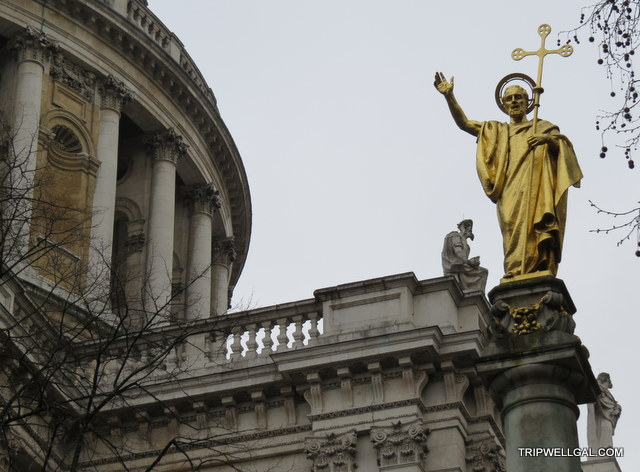 St. Paul's Cathedral Garden is a fun place to visit in London