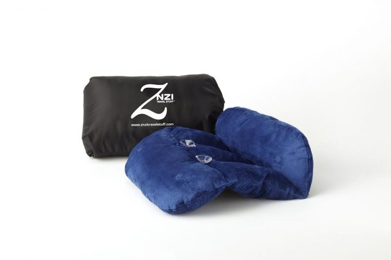 znzi travel pillow is plush and easy to manipulate