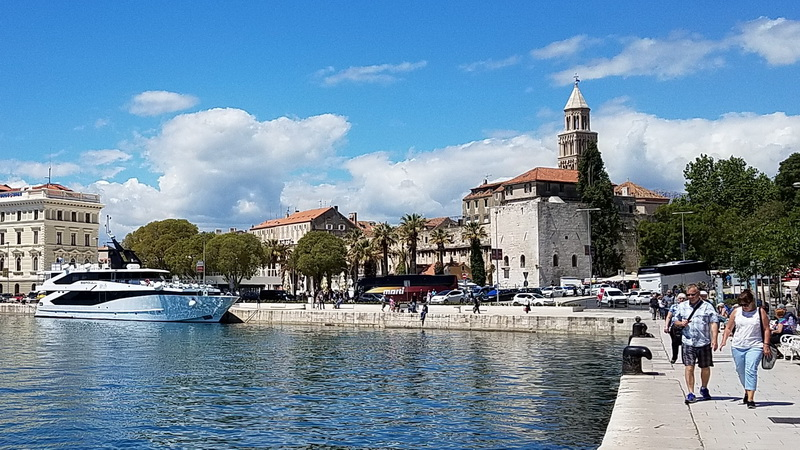 Split waterfront and the Katarina Line, Seagull