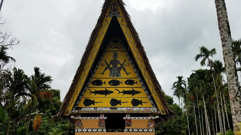 Bai Artwork on a Palau holiday