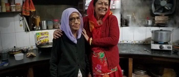 Auntie in Kitchen in Setrawa